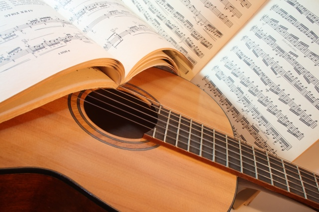 Online Guitar and Ukulele Lessons